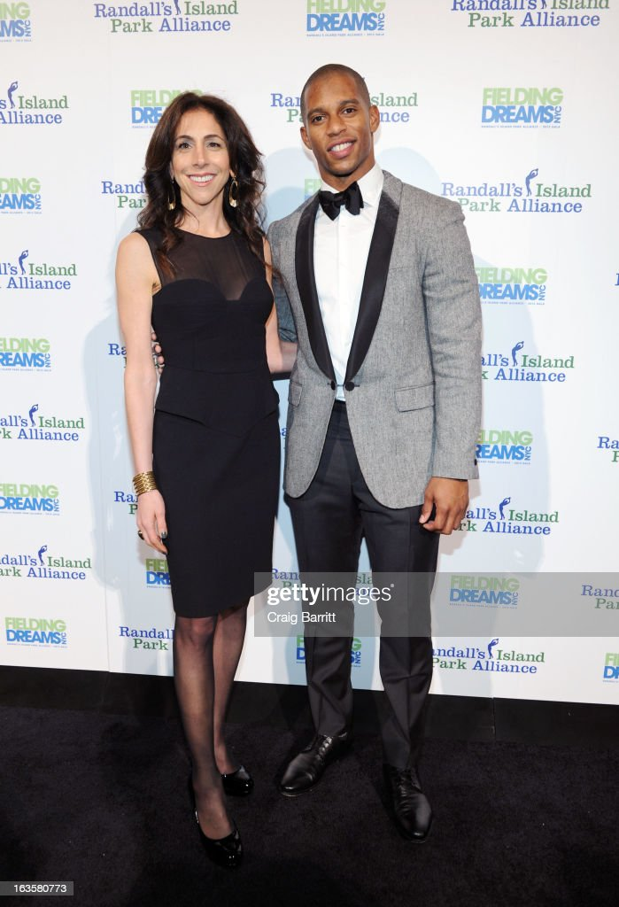 Victor Cruz and Stacy Bash-Polley attend the Randall's Island Park Alliance Fielding Dreams 2013 Gala at American Museum of Natural History on March 12, 2013 in New York City.