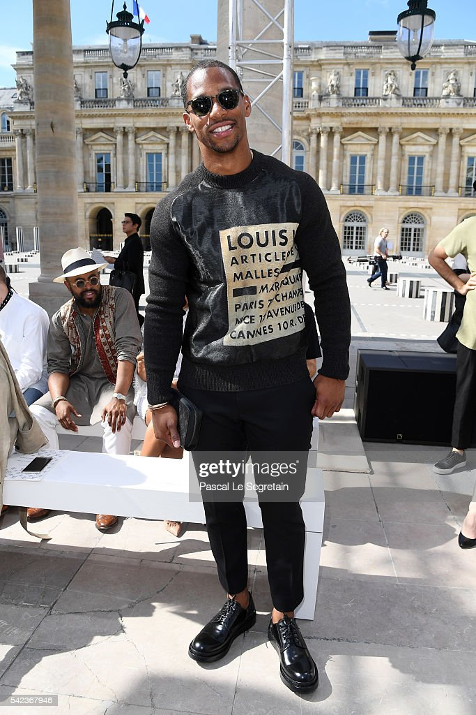 Victor Cruz attends the Louis Vuitton Menswear Spring/Summer 2017 show as part of Paris Fashion Week on June 23, 2016 in Paris, France.