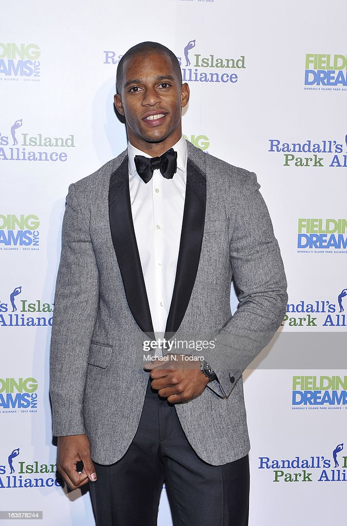 Victor Cruz attends the Randall's Island Park Alliance Fielding Dreams 2013 Gala at American Museum of Natural History on March 12, 2013 in New York City.
