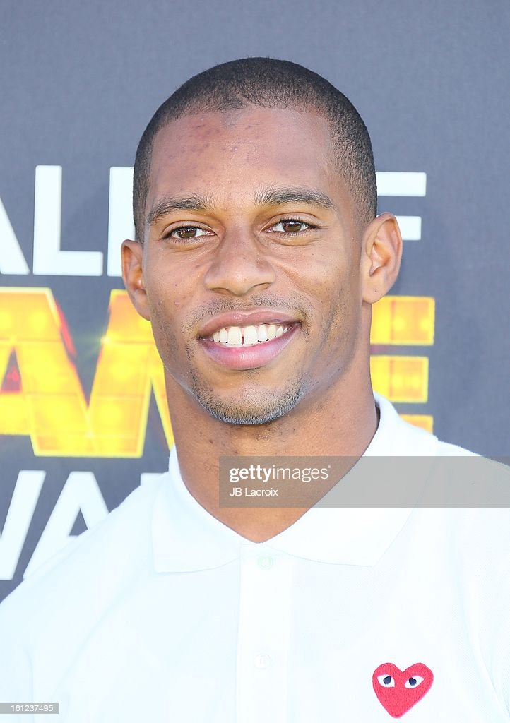 <a gi-track='captionPersonalityLinkClicked' href=/galleries/search?phrase=Victor+Cruz+-+American+Football+Player&family=editorial&specificpeople=8736842 ng-click='$event.stopPropagation()'>Victor Cruz</a> attends the Third Annual Hall of Game Awards hosted by Cartoon Network at Barker Hangar on February 9, 2013 in Santa Monica, California.