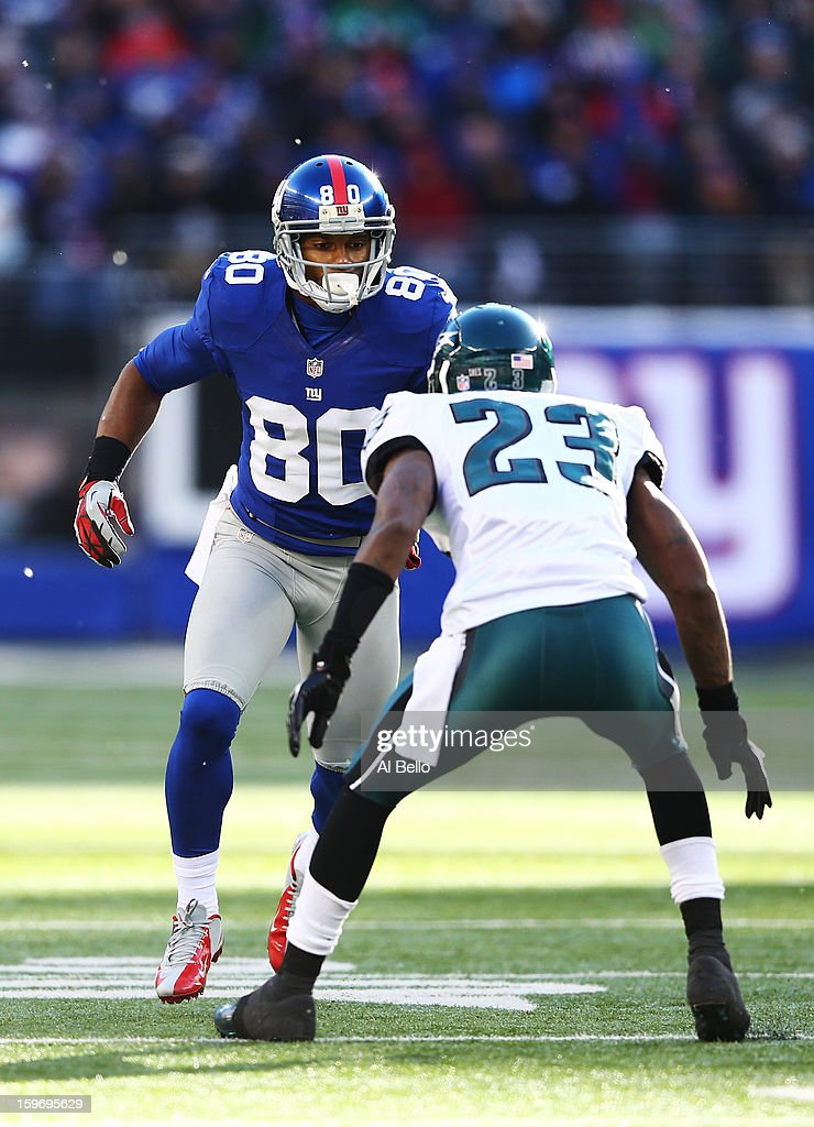 Victor Cruz #80 of the New York Giants in action during their game against Dominique Rodgers-Cromartie #23 of the Philadelphia Eagles at MetLife Stadium on December 30, 2012 in East Rutherford, New Jersey.