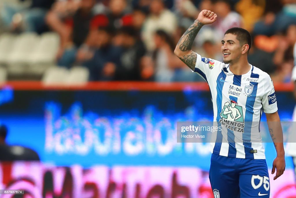 Victor Guzman of Pachuca celebrates after scoring the second goal of his team during the sixth round match between Pachuca and Veracruz as part of the Torneo Apertura 2017 Liga MX at Hidalgo Stadium on August 22, 2017 in Pachuca, Mexico.