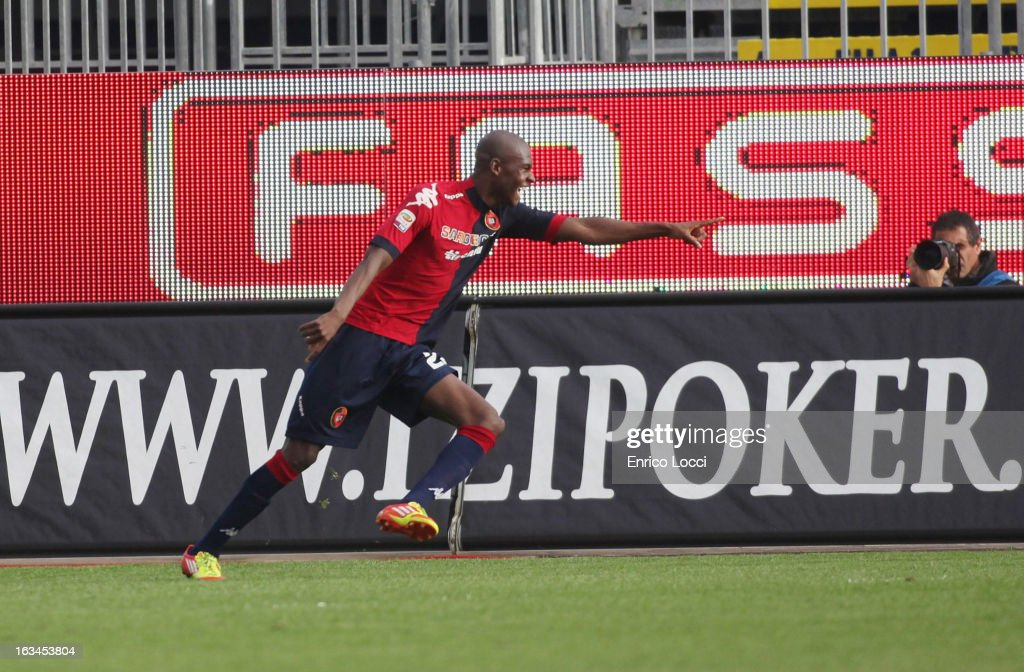 Victor Ibarbo of Cagliari celebrates after scoring 3-0 during the Serie A match between Cagliari Calcio and UC Sampdoria at Stadio Sant'Elia on March 10, 2013 in Cagliari, Italy.