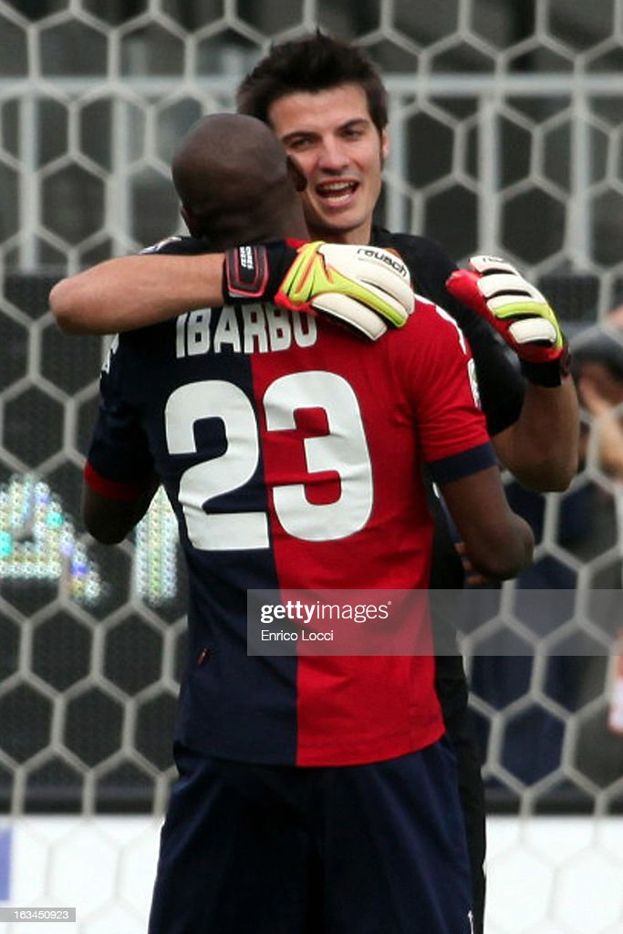 Victor Ibarbo of Cagliari celebrates with Michael Agazzi after scoring during the Serie A match between Cagliari Calcio and UC Sampdoria at Stadio Sant'Elia on March 10, 2013 in Cagliari, Italy.