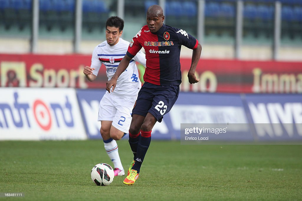 Victor Ibarbo of Cagliari run of the ball during the Serie A match between Cagliari Calcio and UC Sampdoria at Stadio Sant'Elia on March 10, 2013 in Cagliari, Italy.