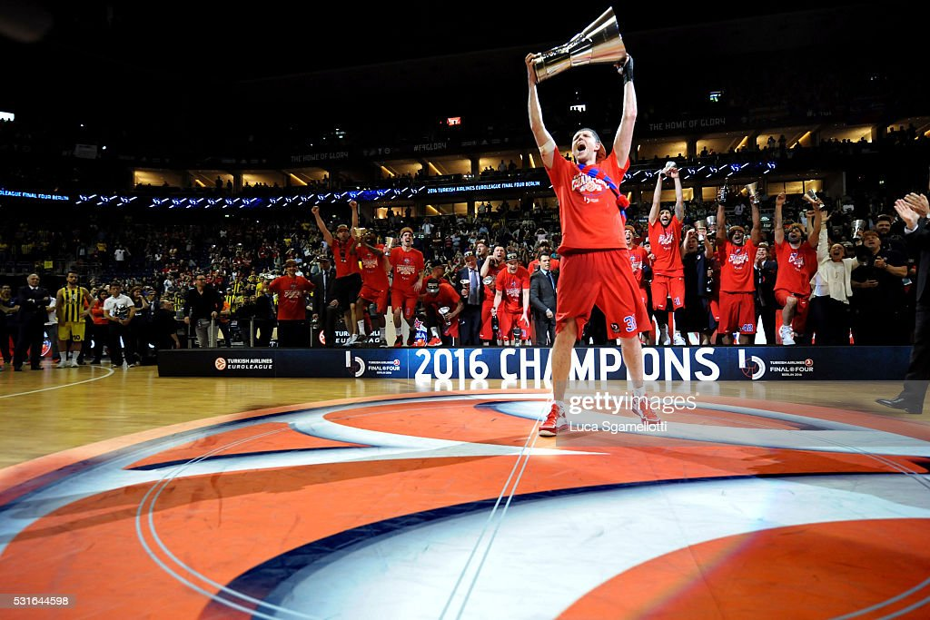 Victor Khryapa #31 of CSKA Moscow celebrates the Turkish Airlines Euroleague Basketball Final Four Berlin 2016 Championship game between Fenerbahce...