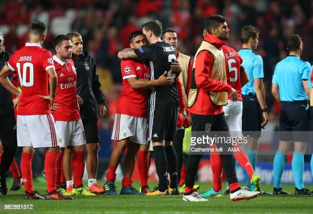 Victor Lindelof of Manchester United greets his old Benfica team mates after the UEFA Champions League group A match between SL Benfica and...