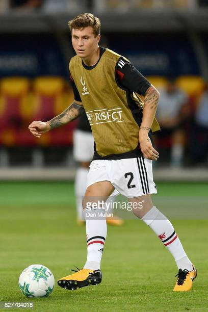 Victor Lindelof of Manchester United warms up prior to the UEFA Super Cup final between Real Madrid and Manchester United at the Philip II Arena on...
