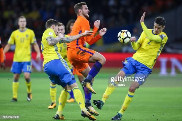 Victor Lindelof of Sweden Vincent Janssen of Holland Victor Lindelof of Sweden during the FIFA World Cup 2018 qualifying match between The...