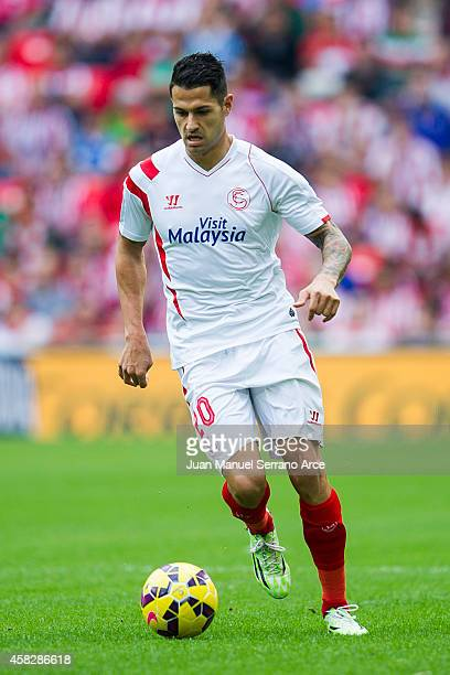 Victor Machin ofÊSevilla FC controls the ball during the La Liga match between Athletic Club and Sevilla FC at San Mames Stadium on November 2 2014...