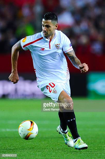 Victor Machin 'Vitolo' of Sevilla FC runs with the ball during the UEFA Europa League Semi Final second leg match between Sevilla and Shakhtar...