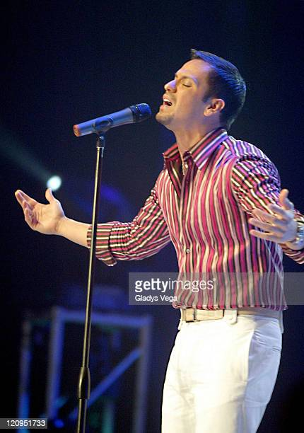 Victor Manuelle during Espectacular SER 2005 Telethon Show at Centro Bellas Artes Caguas in Caguas Puerto Rico