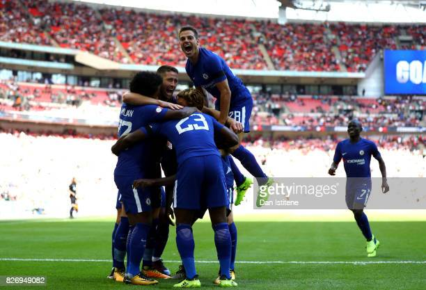 Victor Moses of Chelsea celebrates scoring his sides first goal with his Chelsea team mates during the The FA Community Shield final between Chelsea...