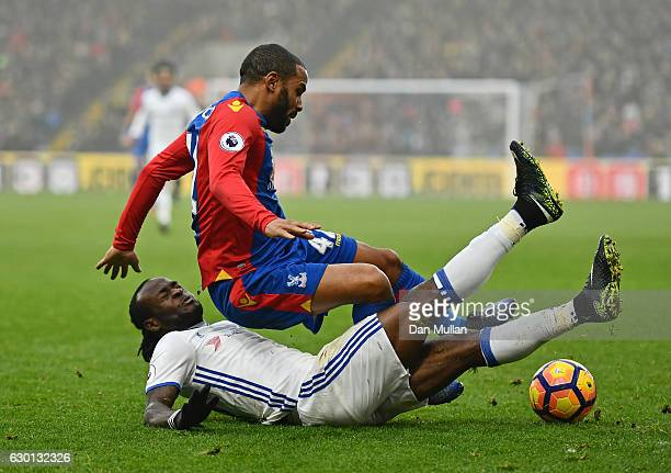 Victor Moses of Chelsea fouls Jason Puncheon of Crystal Palace during the Premier League match between Crystal Palace and Chelsea at Selhurst Park on...