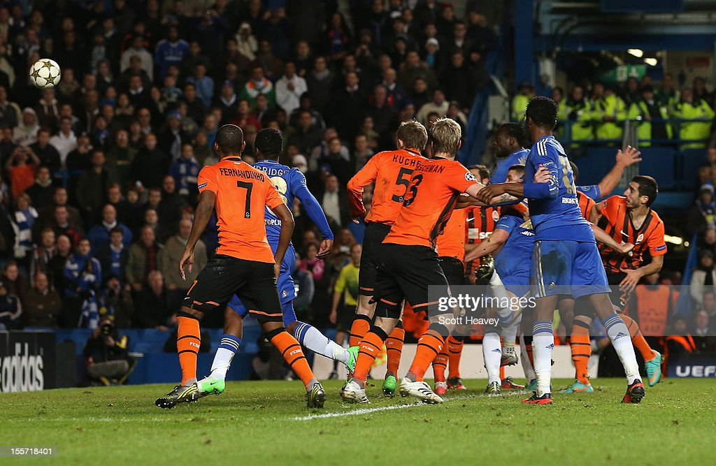 <a gi-track='captionPersonalityLinkClicked' href=/galleries/search?phrase=Victor+Moses&family=editorial&specificpeople=2649383 ng-click='$event.stopPropagation()'>Victor Moses</a> of Chelsea scores his goal during the UEFA Champions League Group E match between Chelsea and Shakhtar Donetsk at Stamford Bridge on November 7, 2012 in London, England.