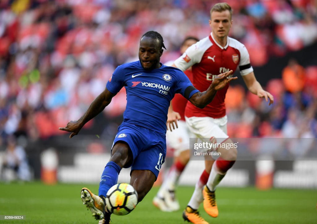 Victor Moses of Chelsea scores his sides first goal during the The FA Community Shield final between Chelsea and Arsenal at Wembley Stadium on August 6, 2017 in London, England.