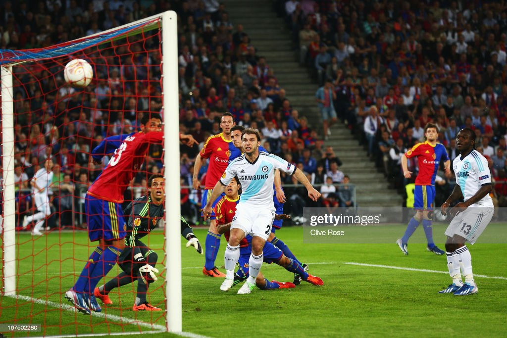 Victor Moses of Chelsea scores past Yann Sommer the FC Basel goalkeeper during the UEFA Europa League Semi Final First Leg match between FC Basel...