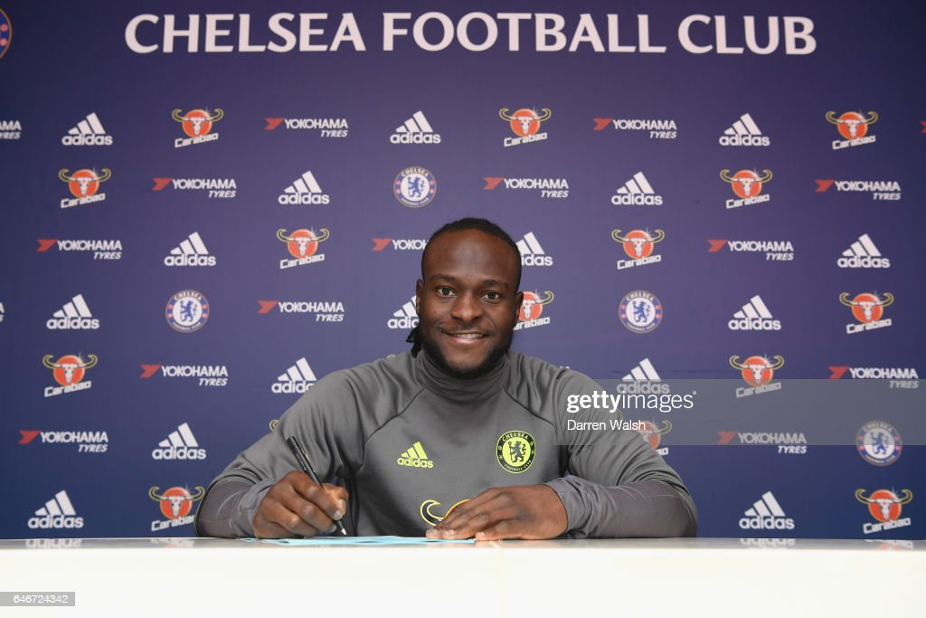 Victor Moses Signs A New Contract at Chelsea