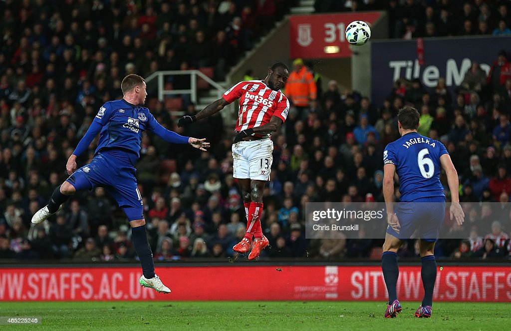<a gi-track='captionPersonalityLinkClicked' href=/galleries/search?phrase=Victor+Moses&family=editorial&specificpeople=2649383 ng-click='$event.stopPropagation()'>Victor Moses</a> of Stoke City scores the first goal during the Barclays Premier League match between Stoke City and Everton at Britannia Stadium on March 4, 2015 in Stoke on Trent, England.