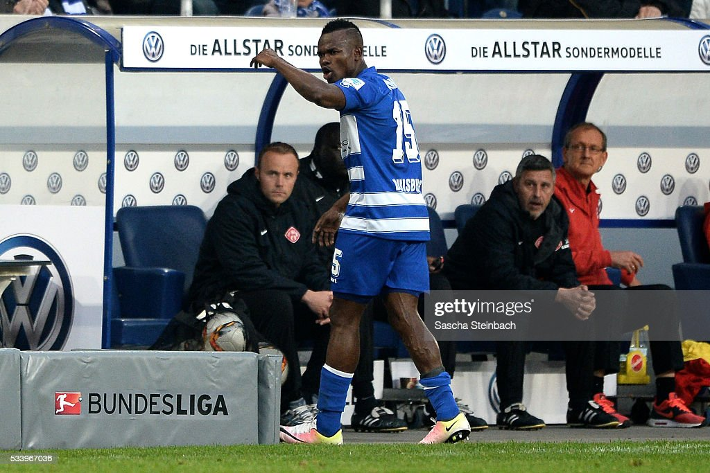 <a gi-track='captionPersonalityLinkClicked' href=/galleries/search?phrase=Victor+Obinna&family=editorial&specificpeople=2218719 ng-click='$event.stopPropagation()'>Victor Obinna</a> of Duisburg leaves the pitch after been sent off and booked red card during the 2. Bundesliga playoff leg 2 match between MSV Duisburg and Wuerzburger Kickers at Schauinsland-Reisen-Arena on May 24, 2016 in Duisburg, Germany.
