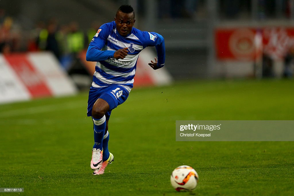 <a gi-track='captionPersonalityLinkClicked' href=/galleries/search?phrase=Victor+Obinna&family=editorial&specificpeople=2218719 ng-click='$event.stopPropagation()'>Victor Obinna</a> of Duisburg runs with the ball during the 2. Bundesliga match between MSV Duisburg and Fortuna Duesseldorf at Schauinsland-Reisen-Arena on April 29, 2016 in Duisburg, Germany.
