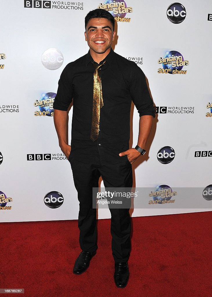 <a gi-track='captionPersonalityLinkClicked' href=/galleries/search?phrase=Victor+Ortiz&family=editorial&specificpeople=2809263 ng-click='$event.stopPropagation()'>Victor Ortiz</a> arrives at ABC's 'Dancing With The Stars' 300th Episode Celebration at Boulevard3 on May 14, 2013 in Hollywood, California.