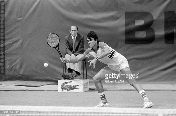 Victor Pecci lors de la demifinale des Internationaux de France de RolandGarros le 8 juin 1979 à Paris France