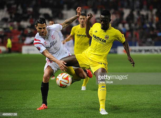 Victor Perez 'Vitolo' battles for the ball against Eric Bailly of Villarreal during the UEFA Europa League Round of 16 Second Leg match between FC...