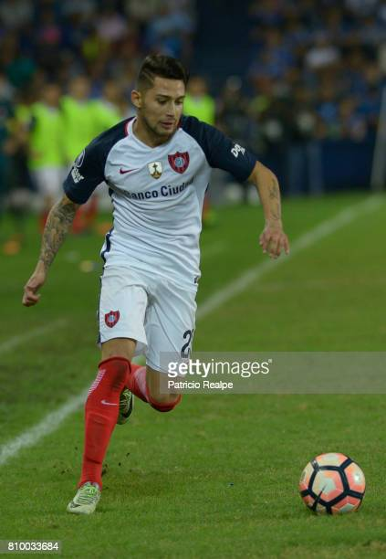 Victor Salazar of San Lorenzo drives the ball during a first leg match between Emelec and San Lorenzo as part of round of 16 of Copa CONMEBOL...