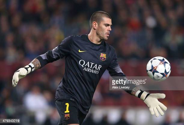 Victor Valdes of FC Barcelona during the UEFA Champions League Round of 16 match between FC Barcelona and Manchester City at Camp Nou on March 12...
