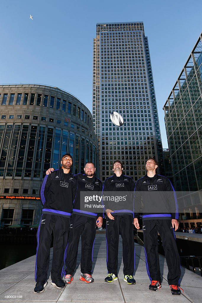 Victor Vito Tony Woodcock of the All Blacks Richie McCaw and Tawera KerrBarlow of the New Zealand All Blacks at Canary Wharf for an AIG Haka 360...