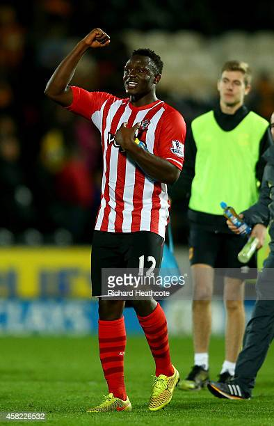 Victor Wanyama of Southampton celebrates at the final whistle during the Barclays Premier League match between Hull City and Southampton at the KC...
