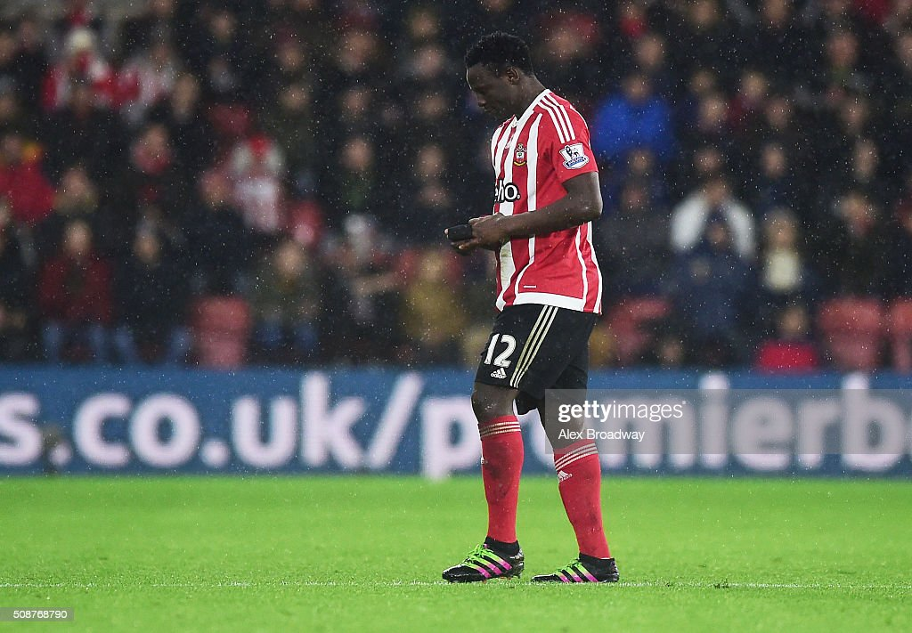 <a gi-track='captionPersonalityLinkClicked' href=/galleries/search?phrase=Victor+Wanyama&family=editorial&specificpeople=7126412 ng-click='$event.stopPropagation()'>Victor Wanyama</a> of Southampton walks off the pitch as he is sent off during the Barclays Premier League match between Southampton and West Ham United at St Mary's Stadium on February 6, 2016 in Southampton, England.