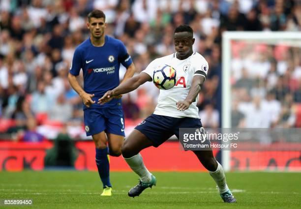 Victor Wanyama of Tottenham Hotspur controlls the ball under pressure from Alvaro Morata of Chelsea during the Premier League match between Tottenham...