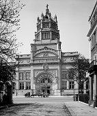 Victoria and Albert Museum Cromwell Road Kensington London 1907 In 1909 new premises for the Museum of Ornamental Art renamed the Victoria Albert...