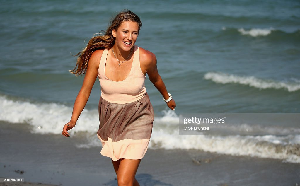<a gi-track='captionPersonalityLinkClicked' href=/galleries/search?phrase=Victoria+Azarenka&family=editorial&specificpeople=604872 ng-click='$event.stopPropagation()'>Victoria Azarenka</a> of Belarus poses for a photograph on Crandon Park beach after her straight sets victory against Svetlana Kuznetsova of Russia in the womens final during the Miami Open Presented by Itau at Crandon Park Tennis Center on April 2, 2016 in Key Biscayne, Florida.