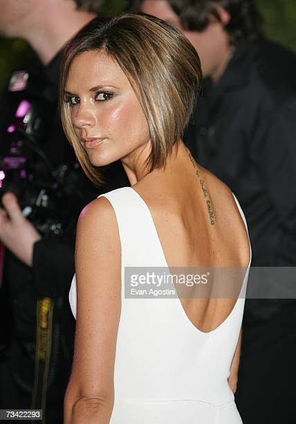 Victoria Beckham arrives at the 2007 Vanity Fair Oscar Party at Mortons on February 25 2007 in West Hollywood California