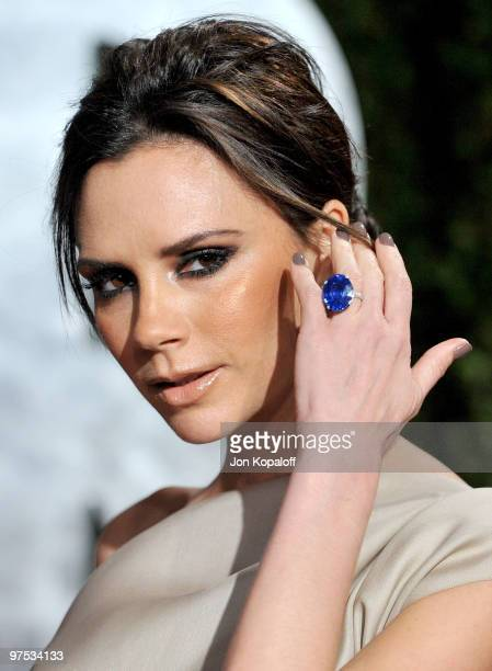 Victoria Beckham arrives at the 2010 Vanity Fair Oscar Party held at Sunset Tower on March 7 2010 in West Hollywood California