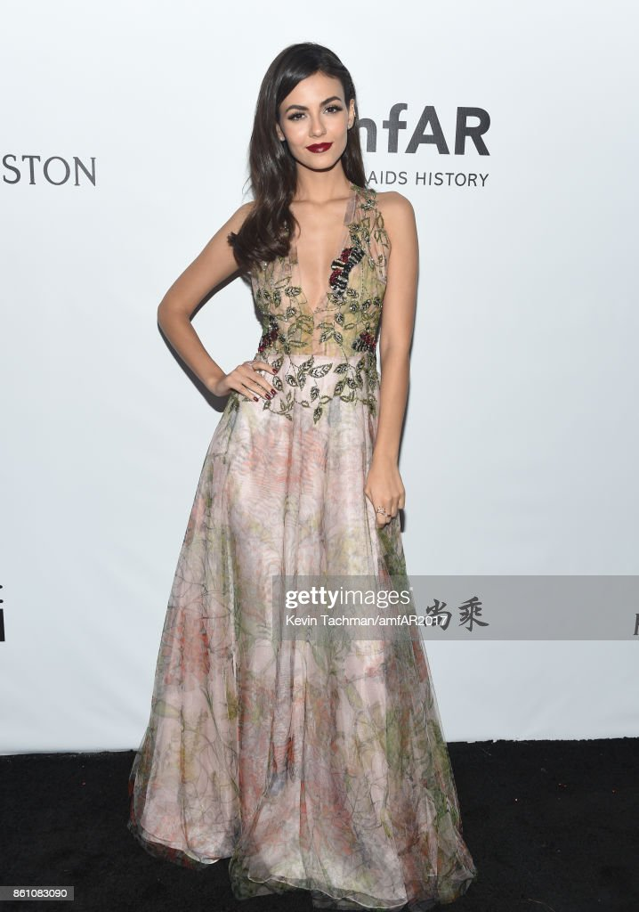 Victoria Justice at amfAR Los Angeles 2017 at Ron Burkle's Green Acres Estate on October 13, 2017 in Beverly Hills, Californi