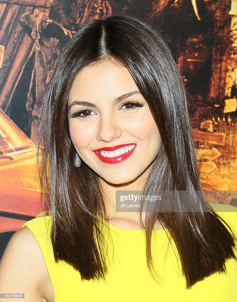 Victoria Justice attends the 'Fun Size' Los Angeles Premiere held at Paramount Studios on October 25 2012 in Hollywood California
