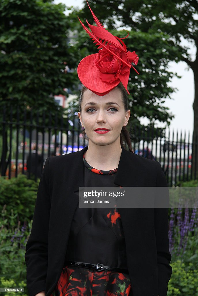 <a gi-track='captionPersonalityLinkClicked' href=/galleries/search?phrase=Victoria+Pendleton&family=editorial&specificpeople=228525 ng-click='$event.stopPropagation()'>Victoria Pendleton</a> sighting on June 20, 2013 in Ascot, England.