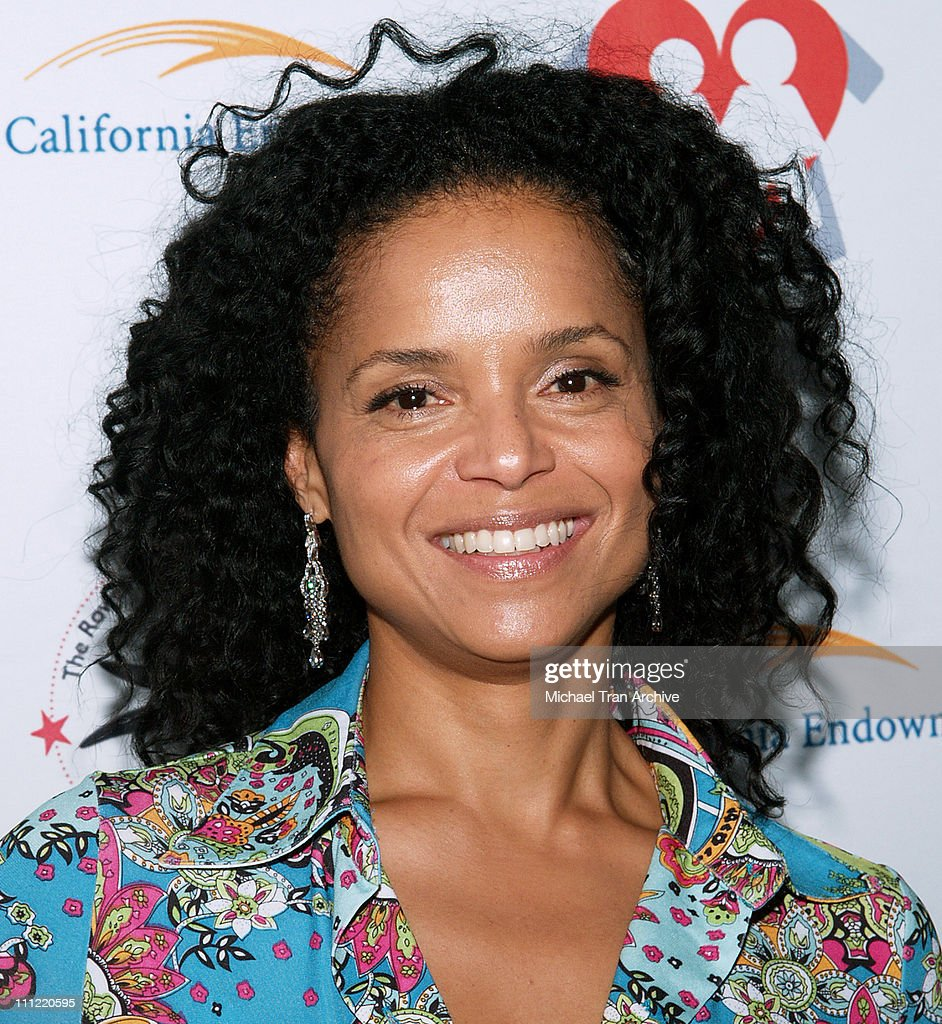 <a gi-track='captionPersonalityLinkClicked' href=/galleries/search?phrase=Victoria+Rowell&family=editorial&specificpeople=202576 ng-click='$event.stopPropagation()'>Victoria Rowell</a> during Museum of Contemporary Art & Rowell Foster Children's Positive Plan 'Passion Art Tour' - Arrivals at Museum of Contemporary Art (MOCA) in Los Angeles, CA, United States.