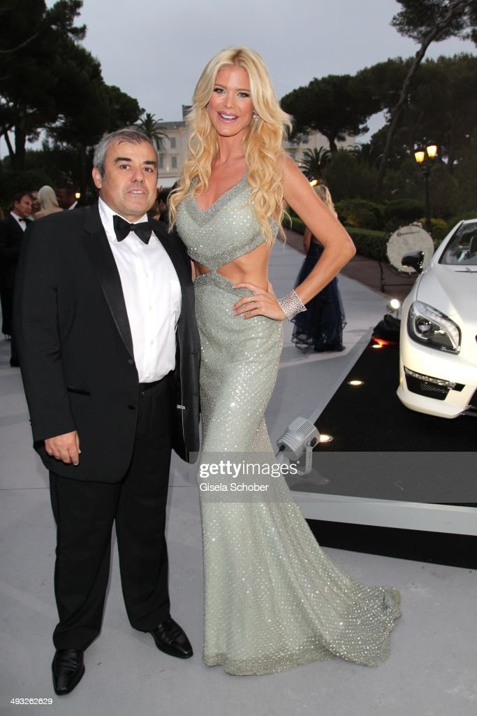 <a gi-track='captionPersonalityLinkClicked' href=/galleries/search?phrase=Victoria+Silvstedt&family=editorial&specificpeople=202866 ng-click='$event.stopPropagation()'>Victoria Silvstedt</a> and her boyfriend Maurice Dabbah attend amfAR's 21st Cinema Against AIDS Gala Presented By WORLDVIEW, BOLD FILMS and BVLGARI at Hotel du Cap-Eden-Roc on May 22, 2014 in Cap d'Antibes, France.