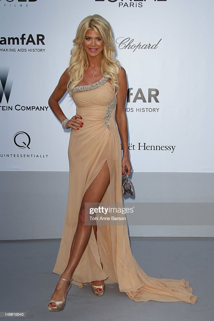 Victoria Silvstedt arrives at amfAR's Cinema Against AIDS at Hotel Du Cap on May 24, 2012 in Antibes, France.