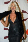 Victoria Silvstedt arrives at Radio City Music Hall for the 2002 VH1/ Vogue Fashion Awards