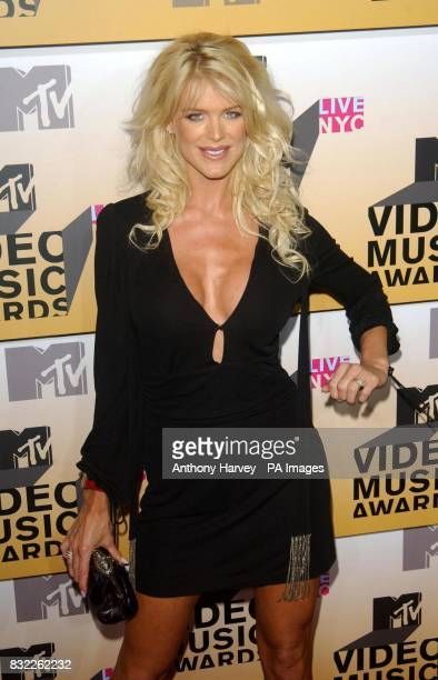 Victoria Silvstedt arrives at the MTV Video Music Awards at Radio City New York