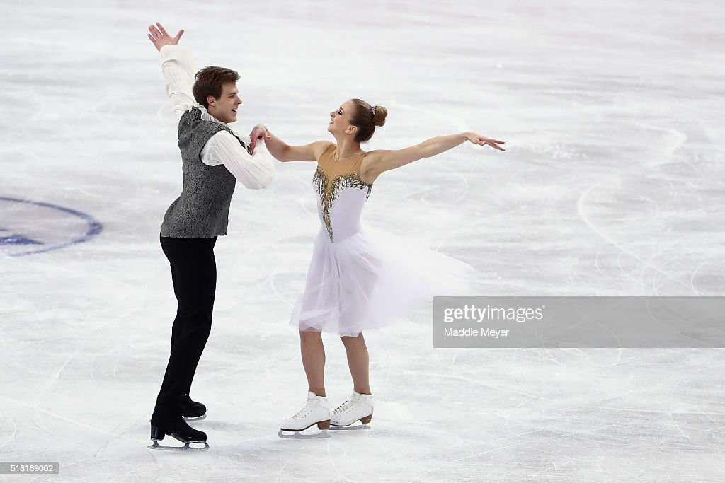Виктория Синицина - Никита Кацалапов - 4 - Страница 2 Victoria-sinitsina-and-nikita-katsalapov-of-russia-skate-in-the-ice-picture-id518189062