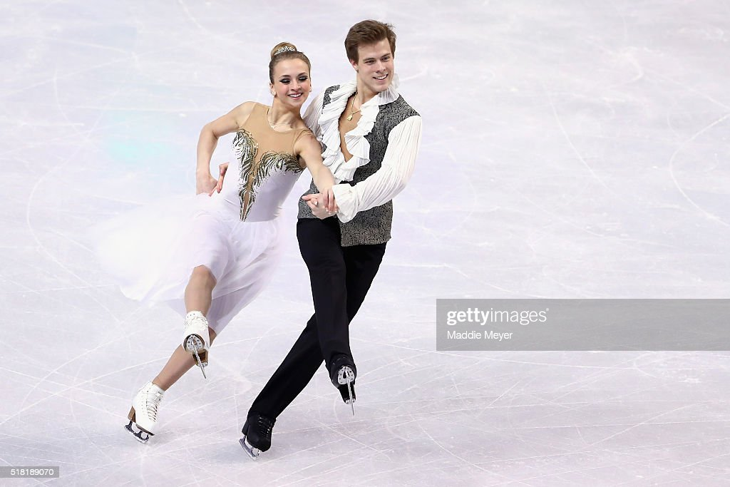Виктория Синицина - Никита Кацалапов - 4 - Страница 2 Victoria-sinitsina-and-nikita-katsalapov-of-russia-skate-in-the-ice-picture-id518189070