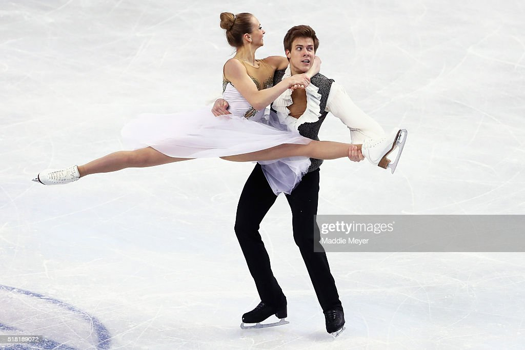 Виктория Синицина - Никита Кацалапов - 4 - Страница 2 Victoria-sinitsina-and-nikita-katsalapov-of-russia-skate-in-the-ice-picture-id518189072