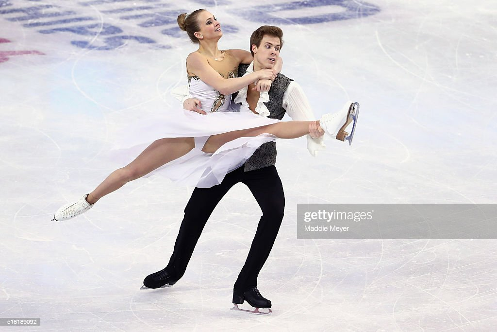 Виктория Синицина - Никита Кацалапов - 4 - Страница 2 Victoria-sinitsina-and-nikita-katsalapov-of-russia-skate-in-the-ice-picture-id518189092